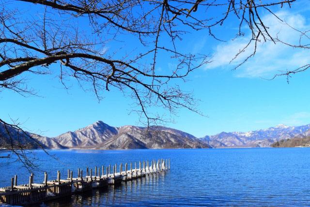 Image of lake Chuzen in Nikko