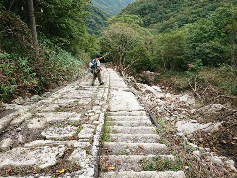 The way to Goshinsui at Mt.Akagi01