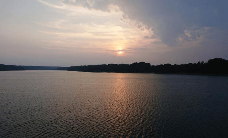 Tama lake with the sunset